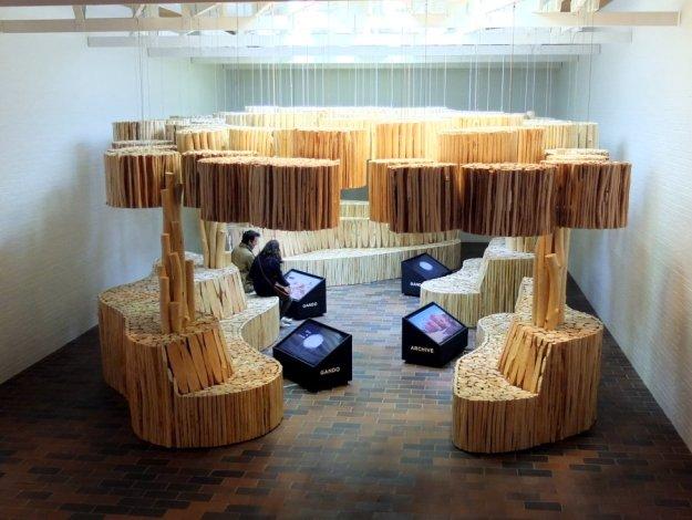 louisiana-wooden-seating